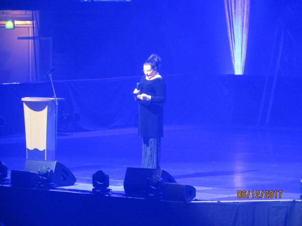 100-itsenäisyysjuhlan  juonsi Vantaan kulttuurijohtaja Annukka Larkio