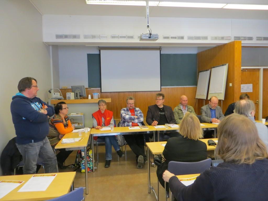 Jari mukana työelämän paneelissa, sosiaalifoorumi  2013